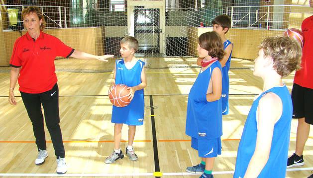 Anna Cardús, àrbitra de la lliga ACB