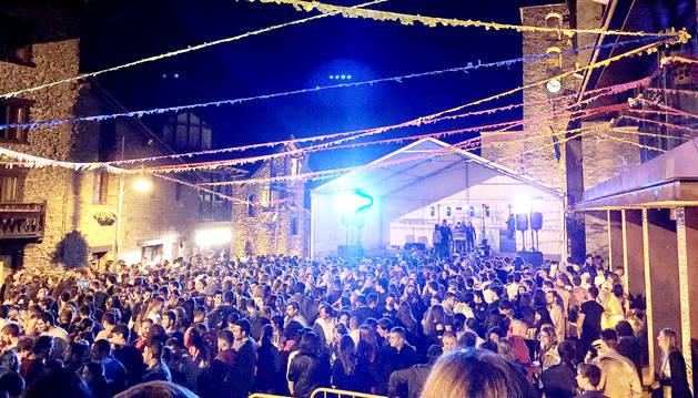 Una de les actuacions a la plaça Major d'Ordino.