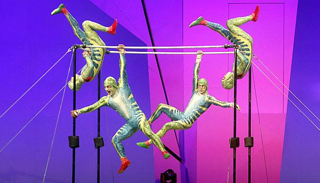 Un dels números amb acrobàcies d''Scalada Vision', ahir