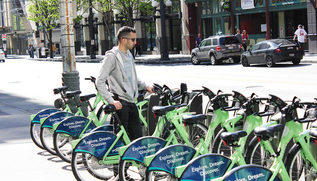Un usuari del sistema de lloguer de bicicletes.