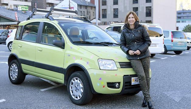 La secretària d'organització dels liberals, França Riberaygua, té un Fiat Panda 4x4 de color pistatxo