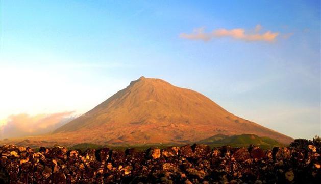4. A la muntanya hi desconnecto, hi penso i reflexiono. Aquesta és a l'illa de Pico, a les Açores.