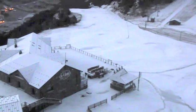 La primera nevada, que no sempre és la més bonica, té sempre molts 'like' a les xarxes de @Grandvalira.
