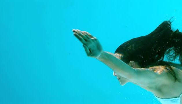 Nedar i estar sota l'aigua m'agrada molt, és un moment de relax i desconnexió.