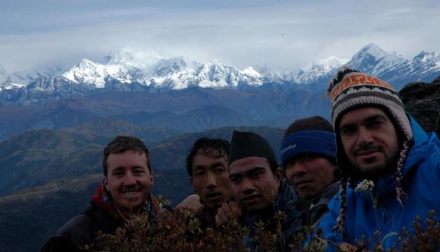 Cesc Sanjuan és el primer per l'esquerra, en un viatge a l'Himàlaia