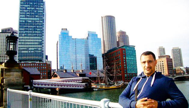 Omar el-Bachiri fa una mitjana de cinc viatges l'any.
