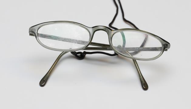 9. Les ulleres pròpies de l'edat, per veure-hi de prop.