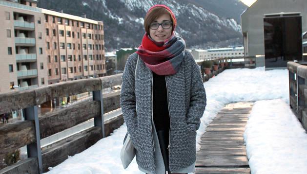 L'Alba, alumna de la UNED i secretària a temps complet.