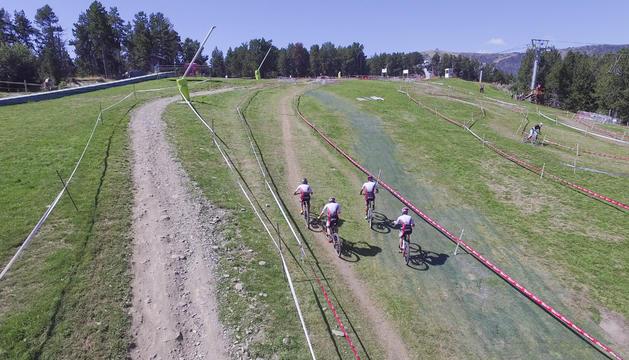 Imatges captades amb dron d'entrenaments de BTT a les pistes de Pal.