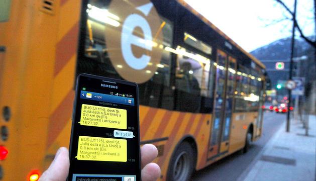 El servei proper bus informa del temps real que queda perquè passi el següent autobús.