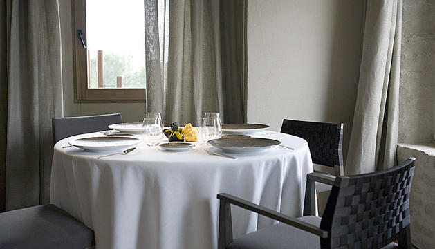5. Menjar i gaudir d'una bona taula.