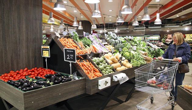 Els supermercats han millorat l'oferta de productes frescos els darrers anys.