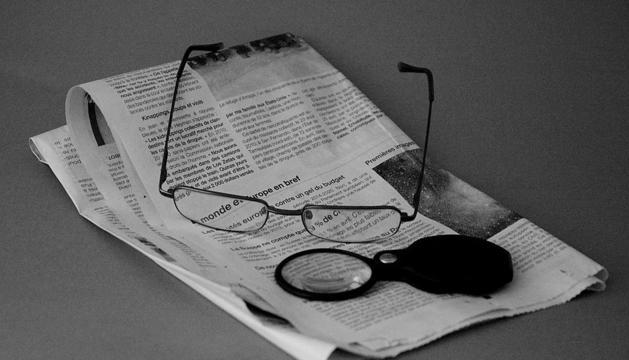 2. Malfiar-me de tot el que llegeixo, veig o escolto als mitjans de comunicació.