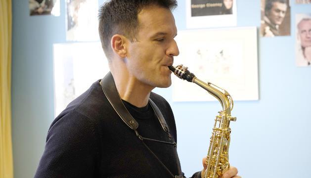 Nacho Gascón dirigeix el concurs de solistes.