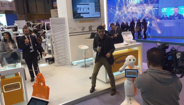 El 'Peper' és un dels robots que comercialitza ANDORobots per fer atenció al públic.