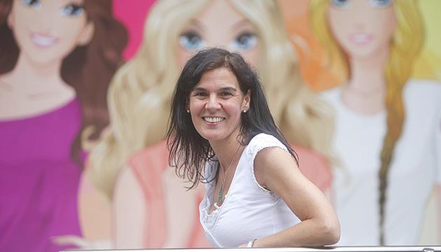 L'autora, professora de català al país.