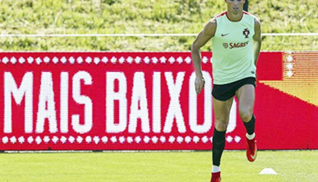 Cristiano entrena amb la selecció.