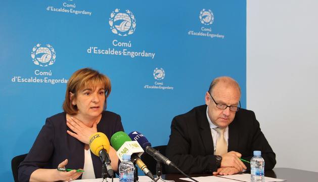 Trini Marín i el cònsol de Canillo Josep Mandicó.