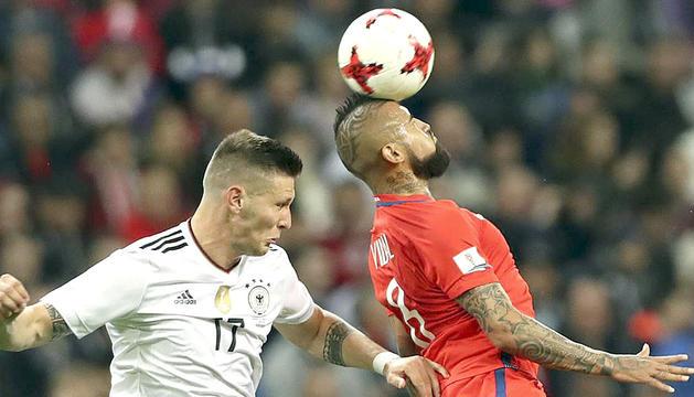 Süle i Vidal disputen la pilota.