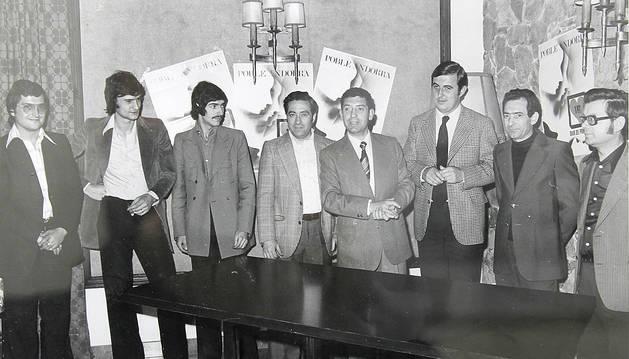 La junta amb el cònsol l'any 1976