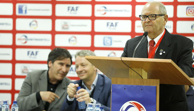 Víctor Santos durant l'última assemblea de la FAF.