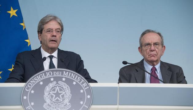 El primer ministre i el ministre de Finances d'Itàlia van anunciar la mesura d'urgència.