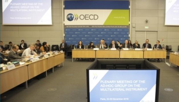Reunió celebrada a la seu de l'OCDE.