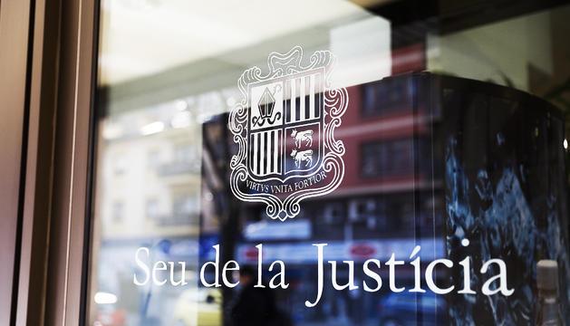 El judici per l'extradició es va celebrar ahir al Tribunal de Corts.
