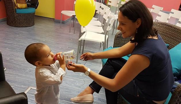 La Diana amb el seu fill Thiago, que ara té 17 mesos i mig.