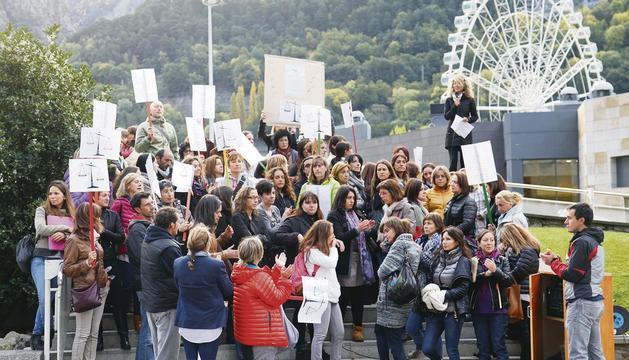 Mestres en vaga contra la reforma de les pensions.