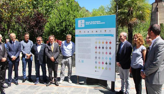 Moment de la inauguració del Camí saludable dels drets humans.