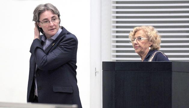 Manuela Carmena amb la tinent d'alcalde Marta Higueras.
