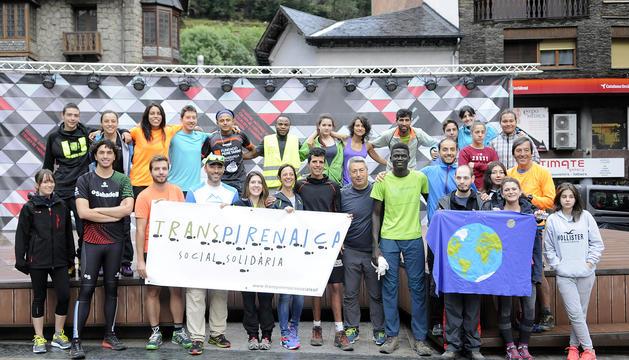 Grup de joves que ha participat a la Transpirenaica.