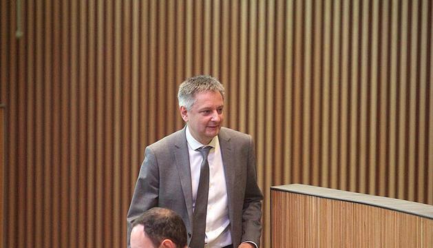 El ministre d'Afers Exteriors, Gilbert Saboya, durant la sessió d'ahir al Consell General.