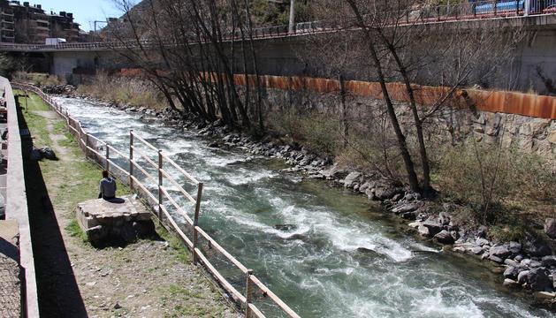 Tram del riu Valira que passa per Sant Julià de Lòria.