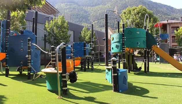 Reobre el parc infantil ordinenc del Prat del Call