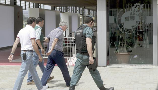 El president de la federació, Villar, detingut per l''operació Soule RFEF'.