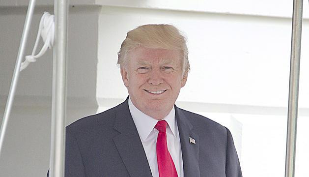 """Donald Trump va recordar ahir el """"poder absolut"""" que li atorga el càrrec de president."""