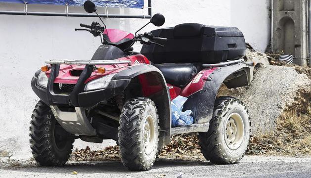 El quad amb el qual va patir l'accident ahir l'expilot de motociclisme, Ángel Nieto.