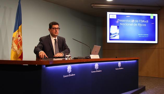 El cap de la Uifand, Carles Fiñana, durant la roda de premsa per presentar l'estudi nacional de riscos.