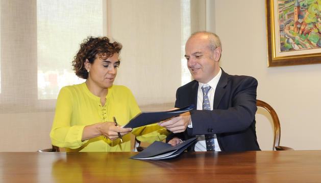 La ministra espanyola de Sanitat, Serveis Socials i Igualtat, Dolors Montserrat, i el ministre de Salut, Carles Alvarez