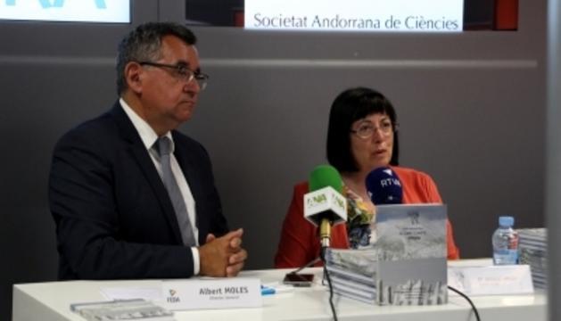 La presidenta de la SAC, Àngels Mach i el director general de FEDA, Albert Moles, durant la presentació de la diada d'enguany.