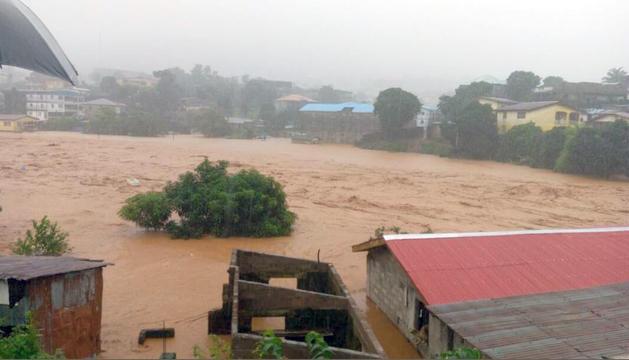 Les inundacions han deixat més de 300 morts.