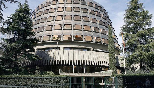 Vista general exterior de l'edifici del Tribunal Constitucional a Madrid.