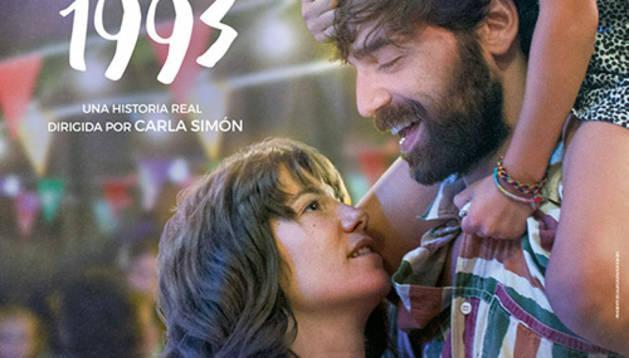 'Estiu 1993'. Aquesta pel·lícula va resultar premiada a la Berlinale i explica la història de la Frida, una nena de sis anys que afronta el primer estiu amb la nova família adoptiva. Està dirigida per la cineasta catalana Carla Simón i està molt ben feta. És cinema femení i les dones tenim una sensibilitat especial, és molt sensible. Agrada molt a tothom.