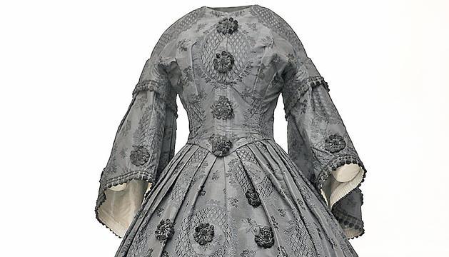 Un dels vestits de dona de Casa Rossell d'Ordino que ha restaurat el CDMT.