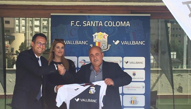 Un moment de la presentació de l'acord entre l'FC Santa Coloma i Vall Banc que ha tingut lloc aquest dilluns.