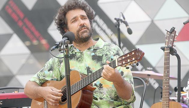 Lluís Cartes atreu el públic a la Plaça Coprínceps