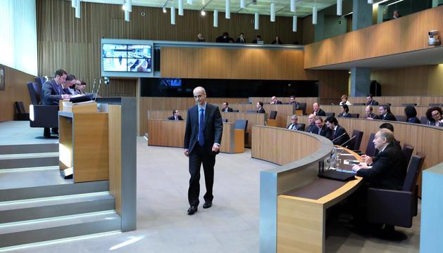 El cap de Govern, Toni Martí, dirigint-se a la tribuna en l'anterior debat d'orientació política.