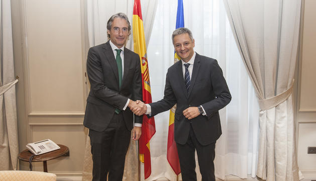 El ministre d'Economia, Competitivitat i Innovació, Gilbert Saboya, s'ha reunit avui amb el ministre de Foment espanyol, Iñigo de la Serna.